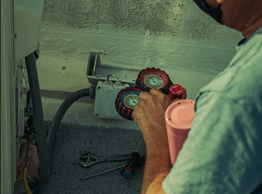 How to Check the Freon in a Home Air Conditioner in 4 Simple Steps (1)