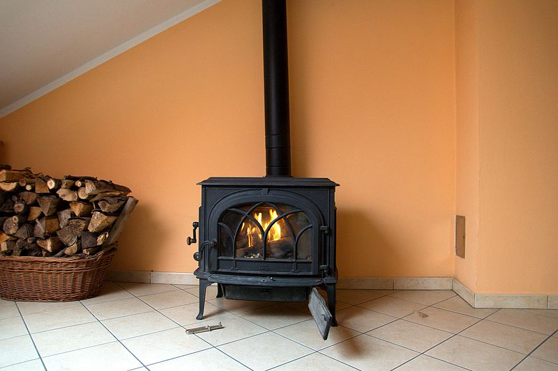The Expert Guide to Pellet Stove vs. Wood Stove